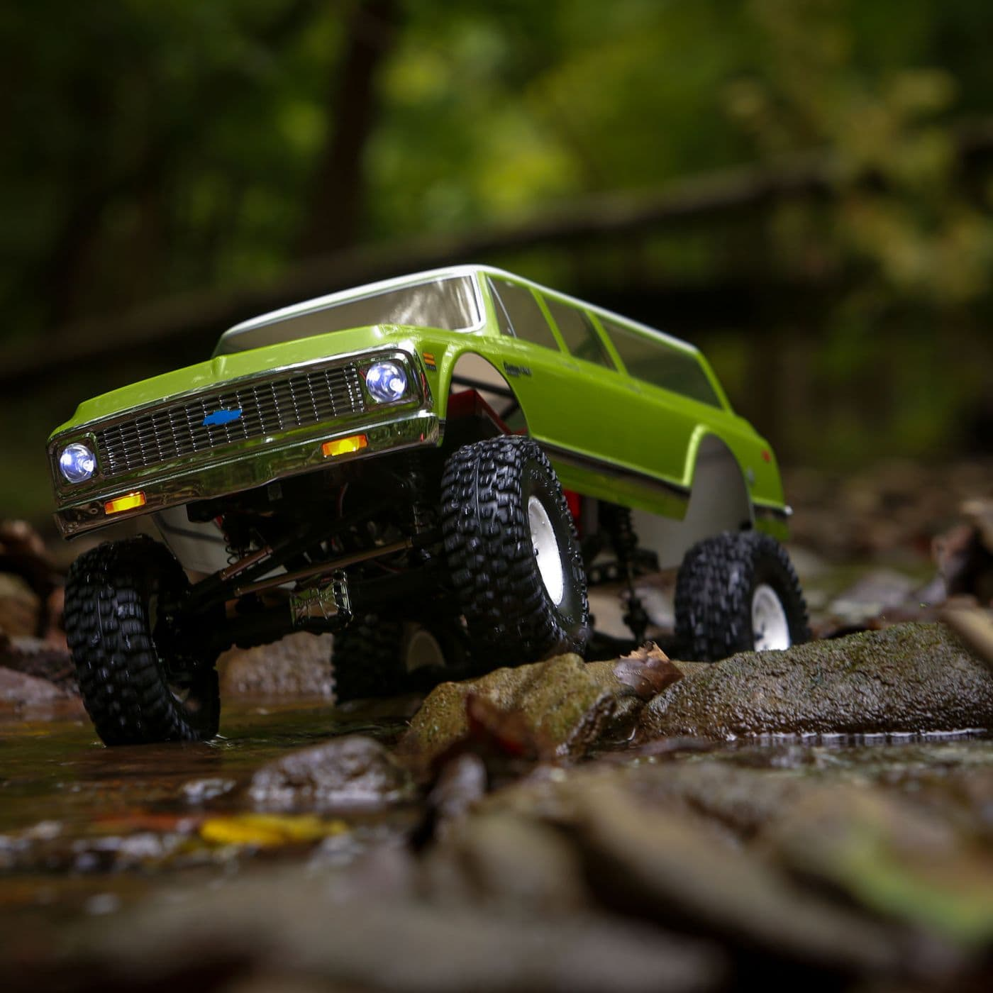 See it in Action: Vaterra 1972 Chevy Suburban Ascender-S