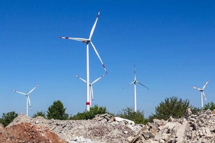 energia-eolica-turbinas-rojiblancas-696x464