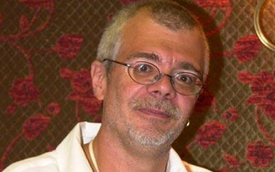 Carlos Lombardi quer sua novela perdendo apenas para sua antiga emissora