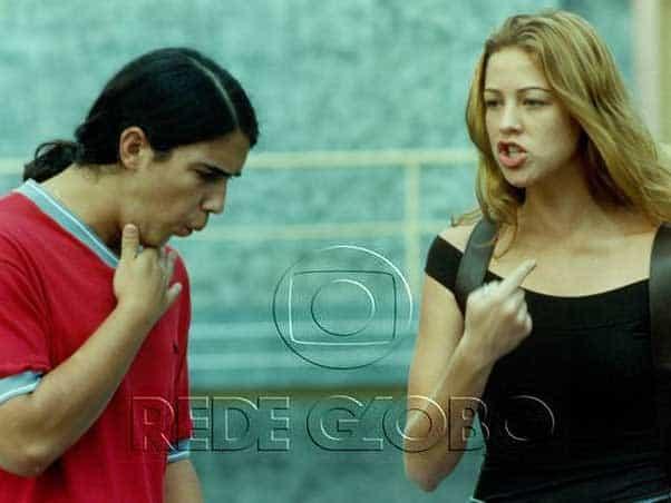 Luana, aos 18 aninhos, contracena com André Marques