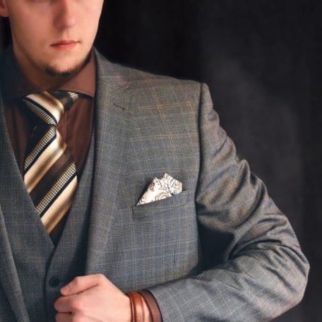 Pánska old school béžovo hnedá kravata.