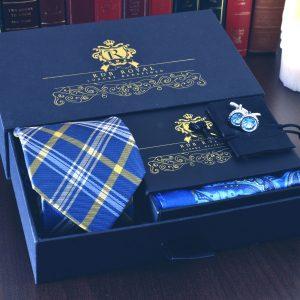 Luxusný pánsky darčekový hodvábny set modrožtlý kravata panska vreckovka do saka manzetove gombiky swarovski