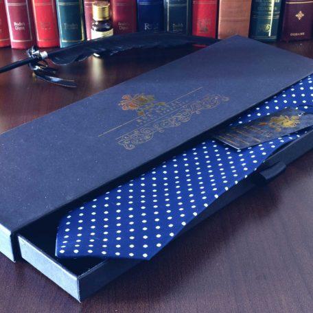 Tmavomodrá bodkovaná kravata slim
