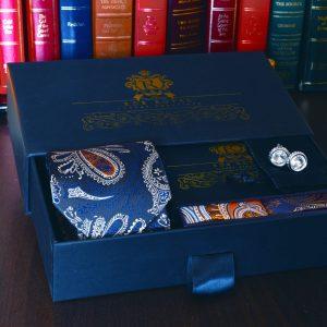 luxusný pánsky hodvábny darčekový set modro zlatý s vreckovkou do saka