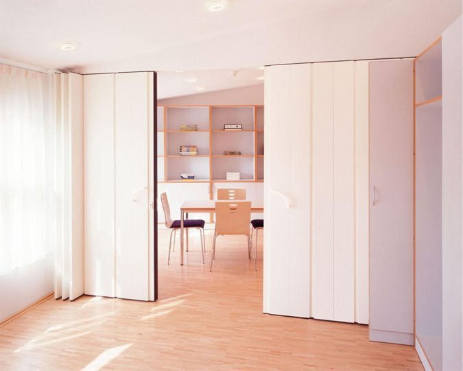 pressurized wall bedroom partition