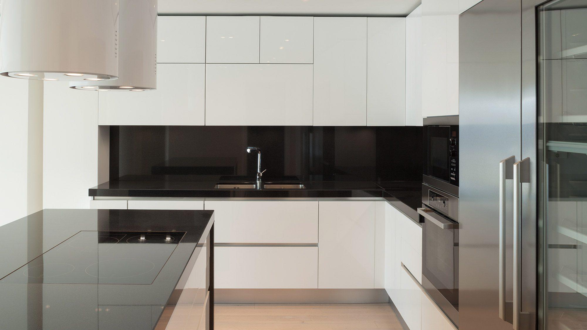 9 Bold and Beautiful Kitchen Backsplash Design Ideas ... on Black Countertop Backsplash Ideas  id=55780