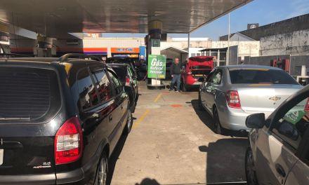 Aumento no gás gera filas nos postos de reabastecimento