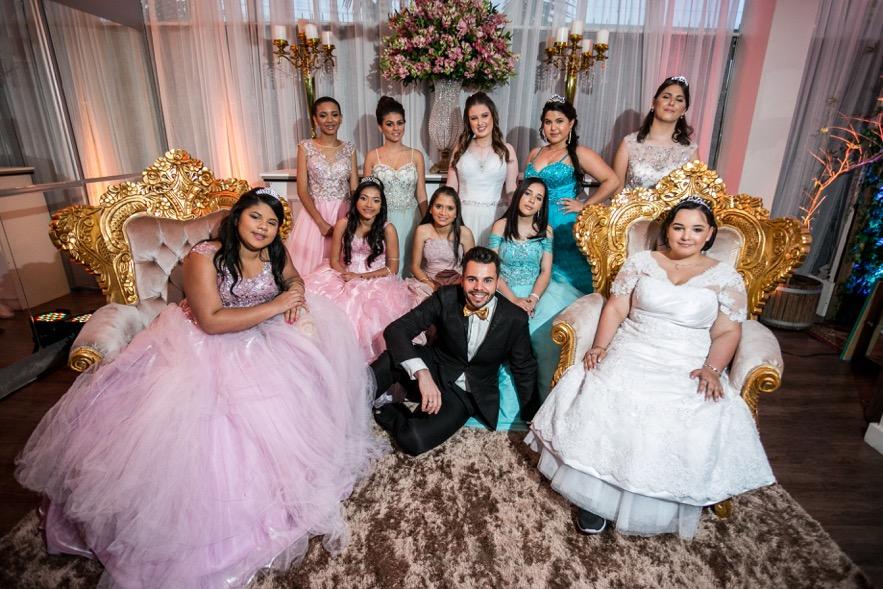 Festa de debutantes emociona pacientes do Instituto do Câncer Infantil