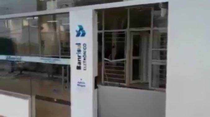 Agências bancárias são atacadas com explosivos na madrugada de quarta-feira em cidades do RS