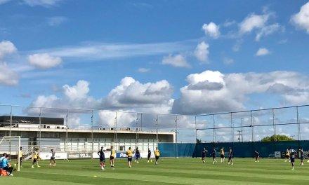 Luan apareceu no treino do Grêmio
