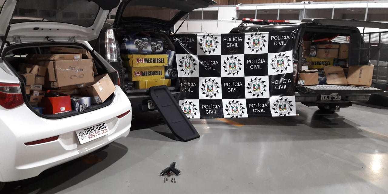 Polícia Civil apreende carga roubada e prende casal em Viamão
