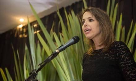 """""""Temos que trabalhar juntos, homens e mulheres"""", diz a primeira mulher chefe de Polícia do Rio Grande do Sul"""
