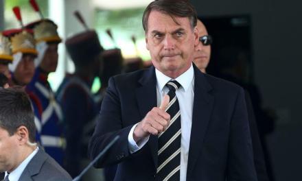 Bolsonaro diz que sancionará projeto que amplia posse de arma no campo
