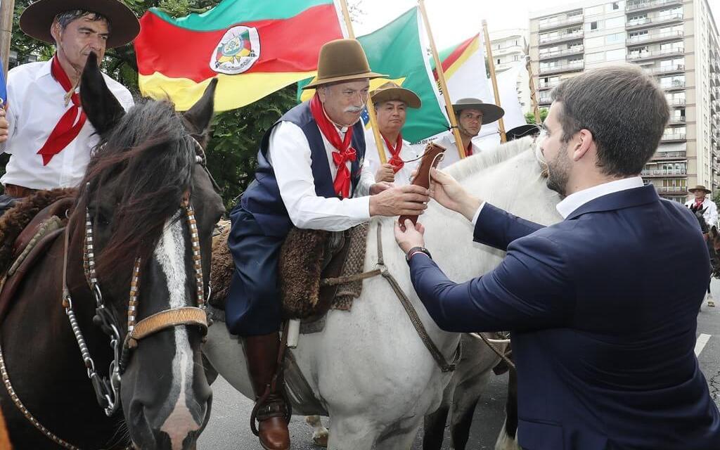 Cavalgada vai percorrer 300 quilômetros até Pelotas