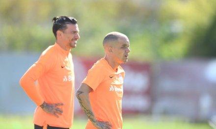 Odair mostrou o primeiro time titular do Inter no treinamento