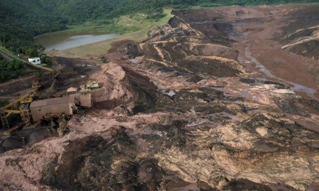 Nove pessoas são resgatadas da lama com vida em Brumadinho