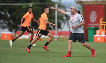 Odair define o primeiro time do Inter para o começo do Gauchão