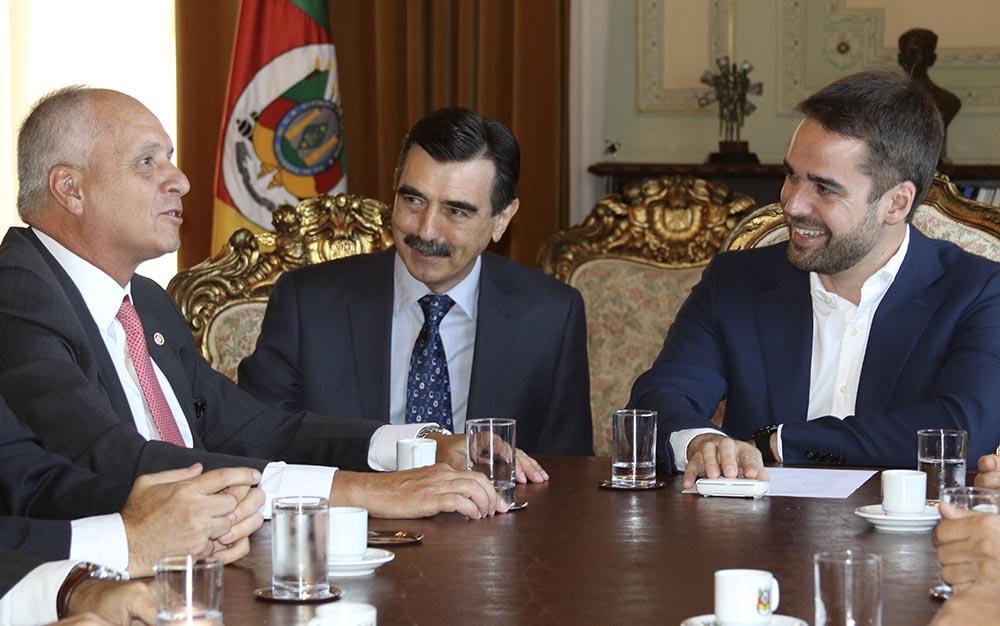 Presidente do Inter faz visita institucional para o governador Eduardo Leite
