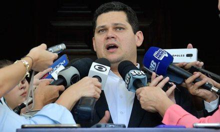 Davi Alcolumbre prevê votação da reforma da Previdência até junho