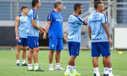 Direção do Grêmio quer mais dois reforços para Renato