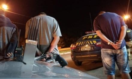 PRF desarticula quadrilha que roubava cargas e carros