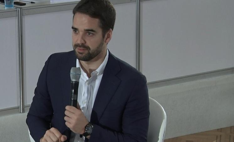 Eduardo Leite apresenta balanço de 100 dias de governo