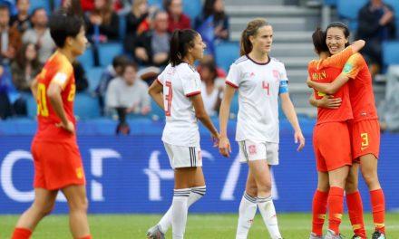 China e Espanha ficam no empate, mas garantem classificação