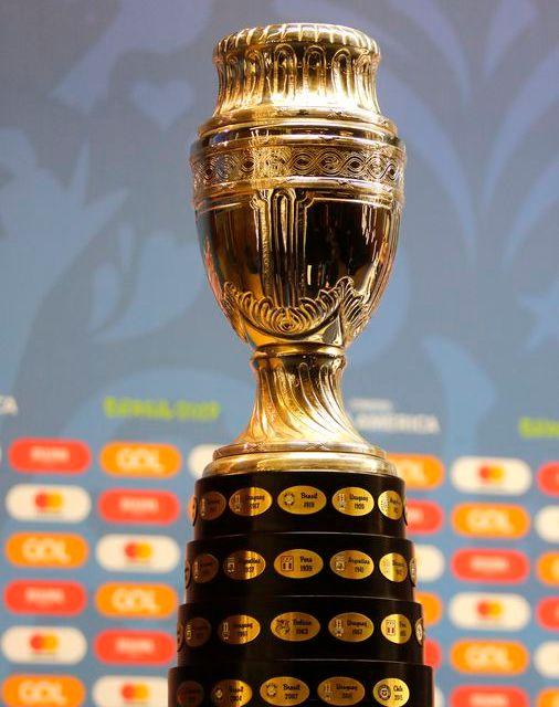 Peru e Uruguai decidem último semifinalista da Copa América