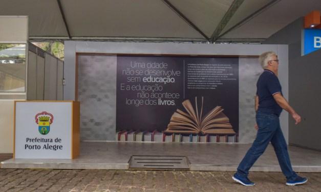 Praça da Alfândega revitalizada recebe Feira do Livro nesta sexta