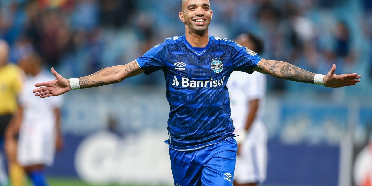 Grêmio ganha do CSA com gol contra nos acréscimos