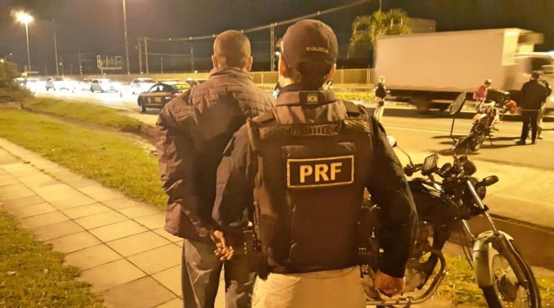 Agentes prendem homem com motocicleta furtada em Porto Alegre