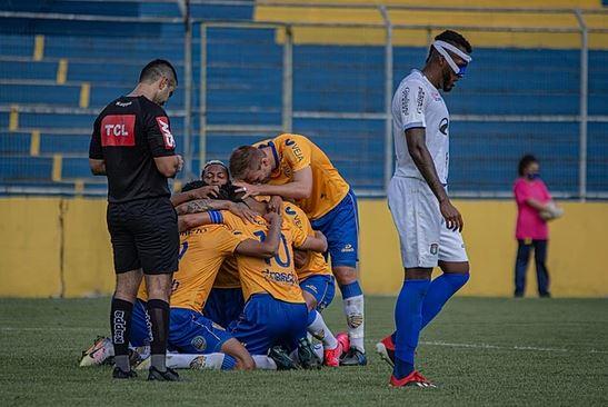 Pelotas vence o São Caetano na Boca do Lobo