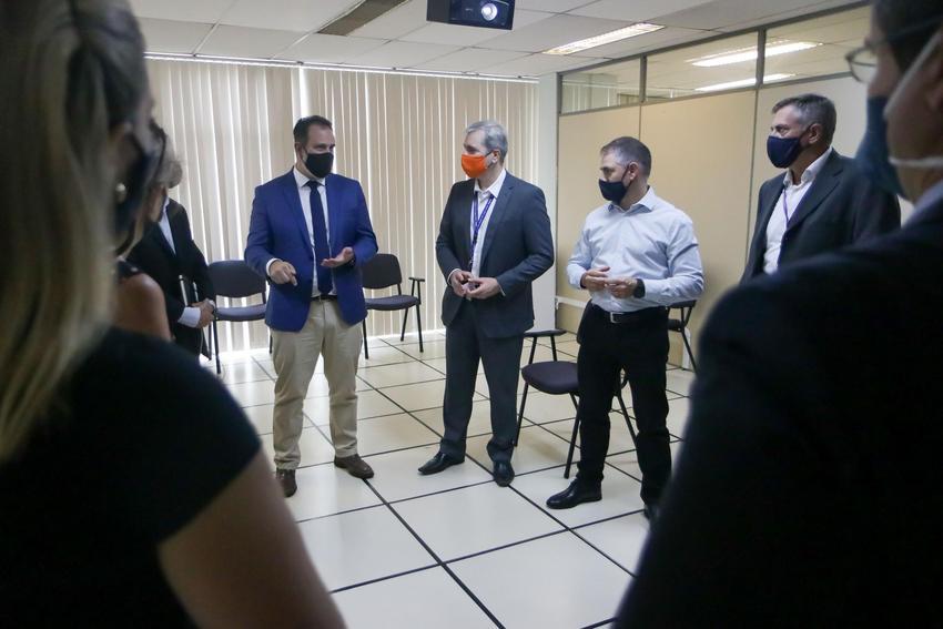 Prefeitura de Porto Alegre inicia remoção de mais de 100 famílias da Vila Nazaré