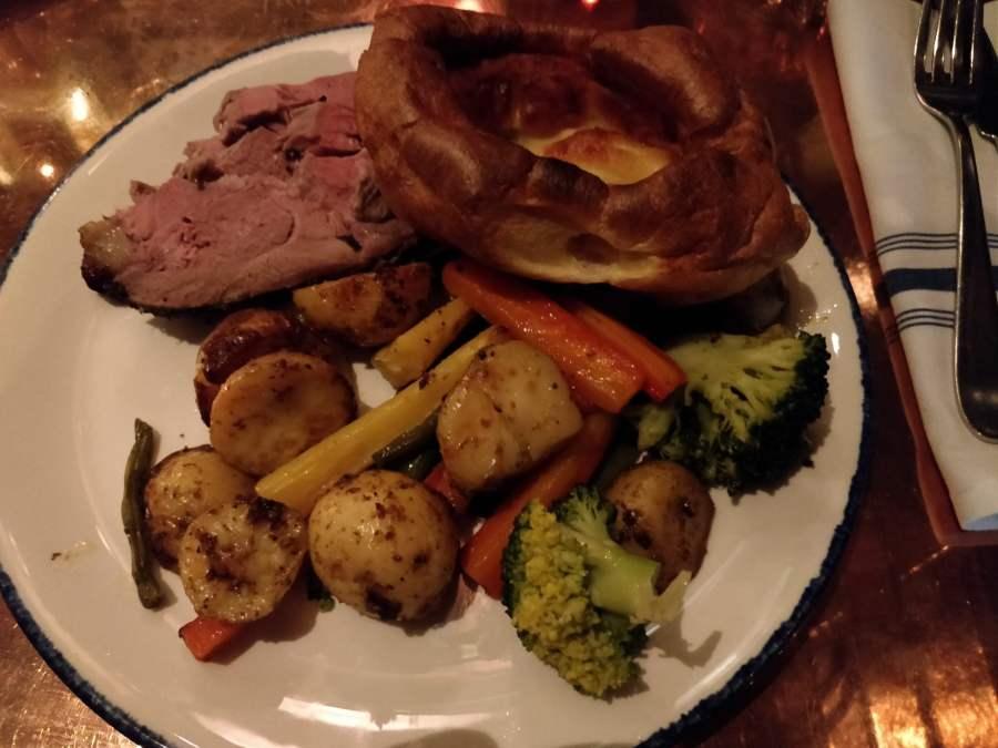 Stoke House, Victoria roast dinner
