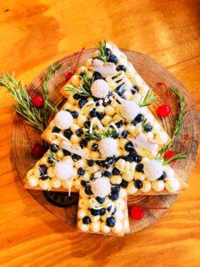 Torta-em-formato-de-arvore-natalina-credito-Fernanda-Carpenedo-225x300 Leiteria 639 apresenta o natal para colecionar momentos