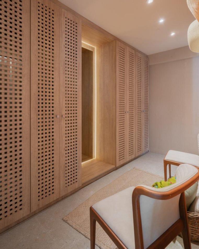 Closet-autoral-com-portas-estilo-muxarabi-credito-Yuri-Panichi-240x300 Inspirada na arte e na cultura brasileira, Bibi Picon faz uma pré-homenagem ao Centenário da Semana da Arte Moderna em 2022