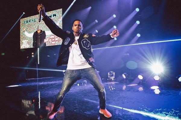 Chris-Brown.Performance.ceethreedom.04