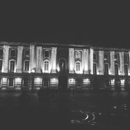 Le Capitole et son habit de lumière