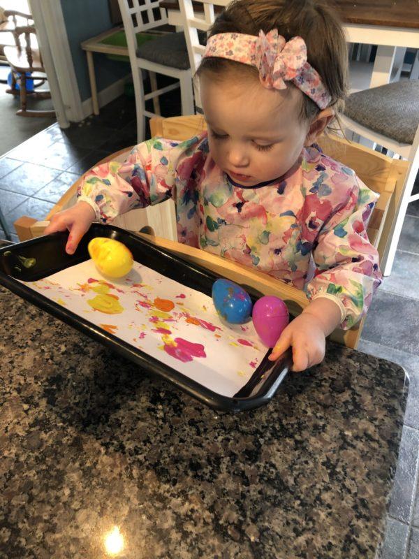 Rolling art in tray