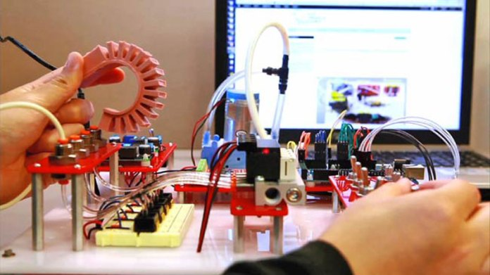 Doe Announces Grants For Robotics Education Development Program