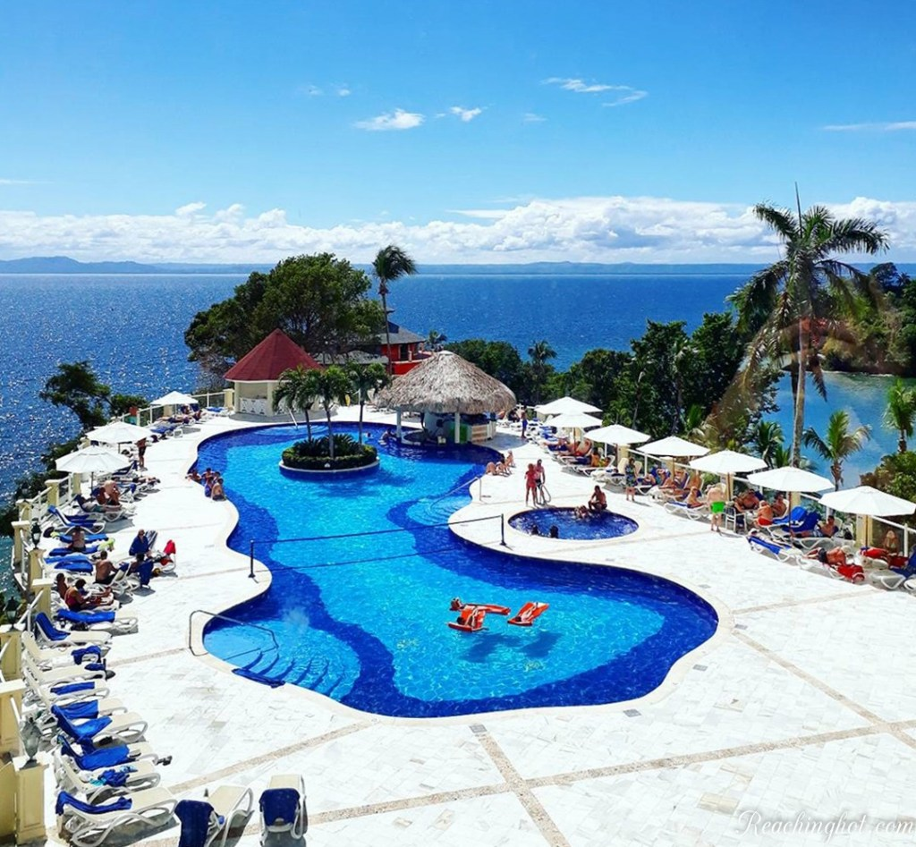 Reachinghot visiting Grand Bahia Principe Cayacoa in Samana in Dominican Republic
