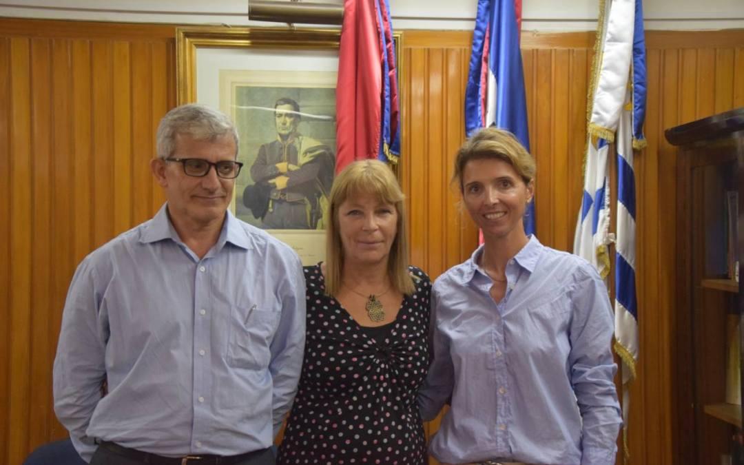Biblioteca del Liceo Público Nº 33 de Montevideo será acondicionada y equipada gracias a donación de ReachingU