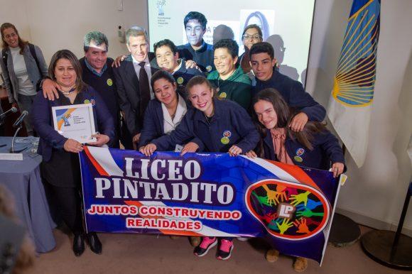 La versión uruguaya del Global Teacher Prize tiene su primera ganadora: Cecilia Paz, del Liceo Público de Pintadito