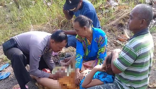 Polisi Bantu Ibu Melahirkan