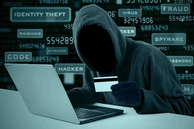 Hacker Kartu Kredit