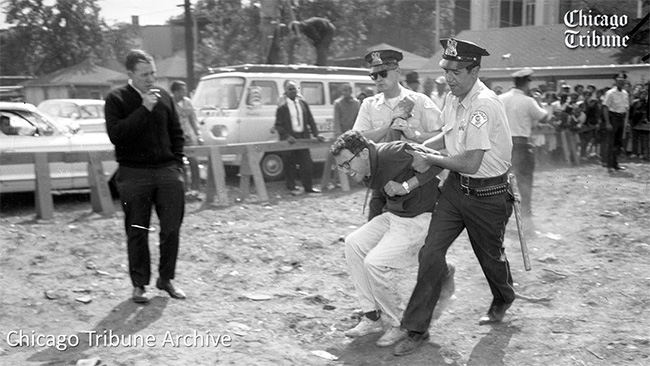 A Chicago Tribune archival photo of Bernie Sanders, then a University of Chicago student, being arrested in 1963 at a South Side racial discrimination protest. (photo: Chicago Tribune)