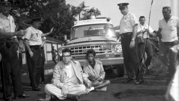 This photo of Bernie Sanders under arrest was taken taken in August 1963 near South 73rd Street and Lowe Avenue, in Englewood neighborhood of Chicago. (photo: Chicago Tribune)