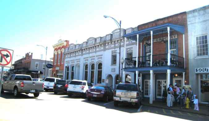 """Downtown Oxford, Mississippi today. Faulkner's home town and his model for Jefferson, where """"A Rose for Emily"""" is set.*"""