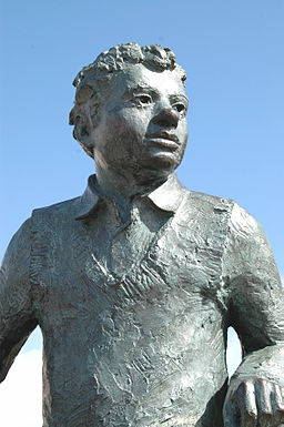 Statue of Dylan Thomas*