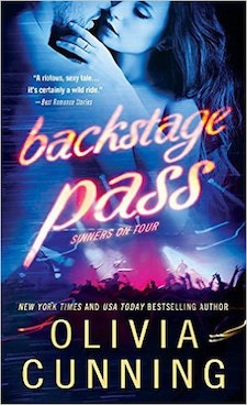 Review ♥ Backstage Pass by Olivia Cunning